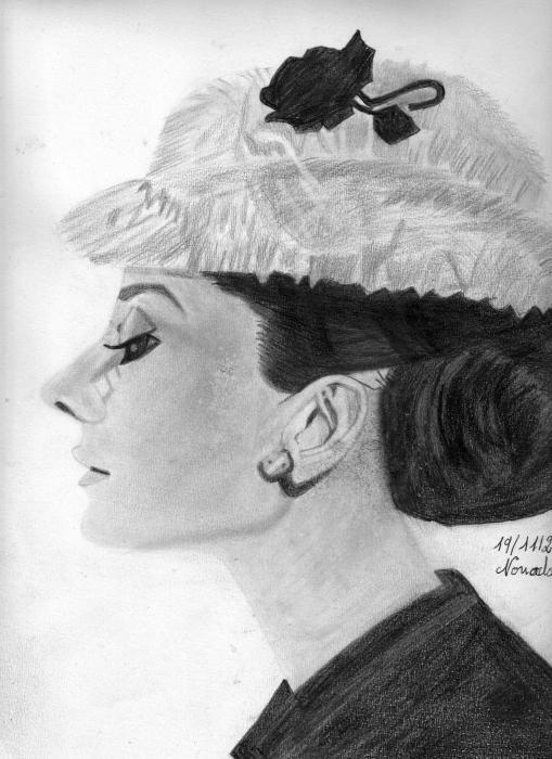 Audrey Hepburn by nonodauren